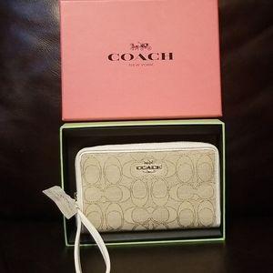 NWT Coach  zip case wrislet